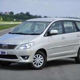 Hire 6 Seater Toyota Innova A/C Bus in Bangalore