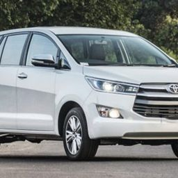 Hire 7 Seater Toyota Innova A/C Bus in Bangalore